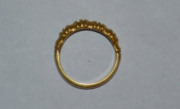 A 24c ancient Nepalese gold ring